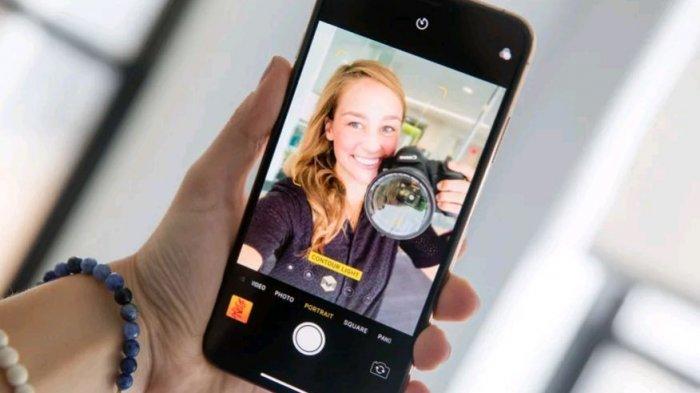 iPhone Terbaru Bakal Punya Tiga Kamera Selfie 12 Megapiksel