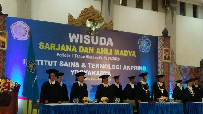 IST AKPRIND Mewisuda 329 Wisudawan Sarjana dan Ahli Madya