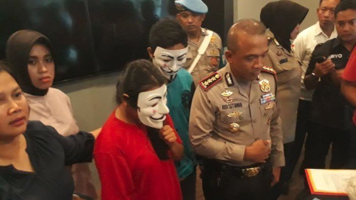Istri Jual Suami di Surabaya Pasang Iklan 'Cari Partner Threesome Bermodal'
