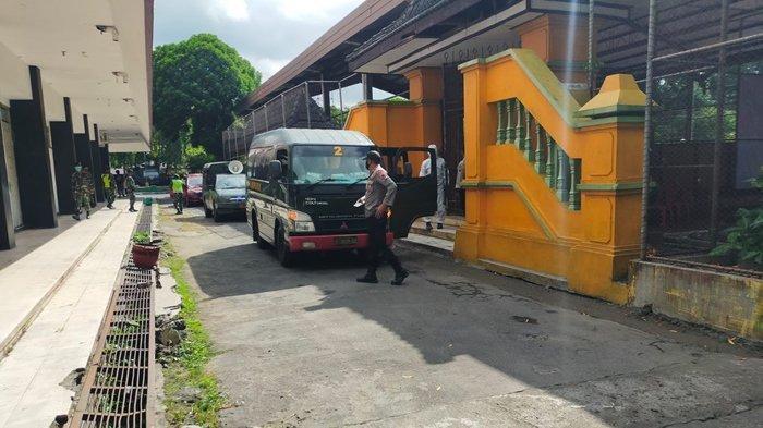 45 Warga Positif COVID-19 di Klaten Kembali Dikirim ke Isolasi Terpusat Asrama Haji Donohudan