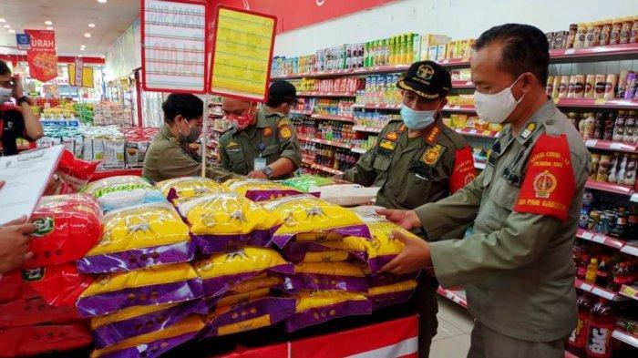 Jelang Lebaran, Satpol PP DIY Razia Sertifikat Aman Bahan Makanan di Sejumlah Supermarket