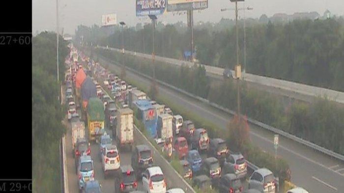 Jemput Rizieq Shihab, Simpatisan Tumpah Ruah Hingga Lumpuhkan Tol Bandara Soekarno-Hatta