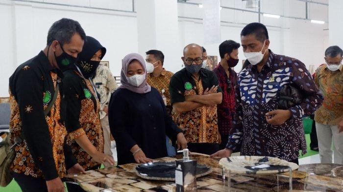 Jogja Recovery Market secara resmi dibuka Bupati Sleman, Dra. Hj. Kustini Sri Purnomo Sabtu, 3 April 2021 pukul 11.00 WIB di Sleman City Hall (SCH)