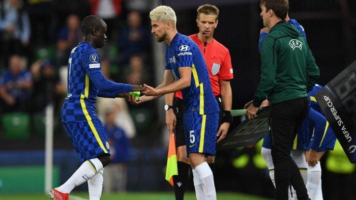 Jorginho menggantikan N'Golo Kante di final Piala Super antara Chelsea vs Villarreal di Windsor Park di Belfast pada 11 Agustus 2021.