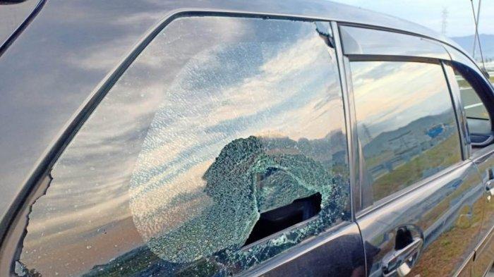 Kaca Mobil Milik Warga Bantul Jadi Sasaran Lemparan Batu Saat Antarkan Penumpang ke Bandara YIA