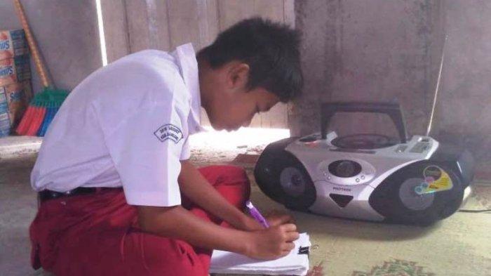 Kala Anak SD di Magelang Belajar Lewat Siaran Radio, jadi Solusi di Tengah Pandemi Corona