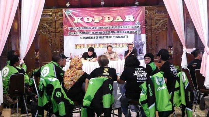 Polda DIY Bersama Gojek Kampanyekan Keselamatan Berkendara bagi Pengemudi Ojek dan Taksi Online