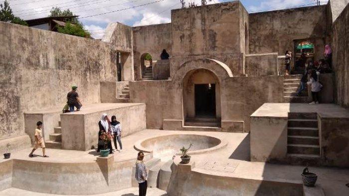 Wisata Ke Situs Warungboto