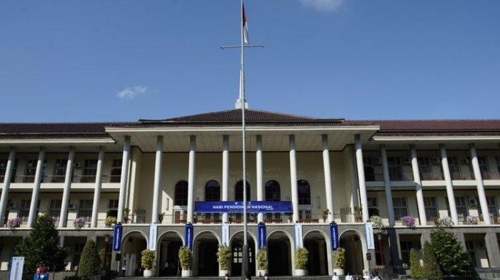 UGM Kembali Raih Predikat Kampus Terbaik Nasional Versi 4ICU 2021