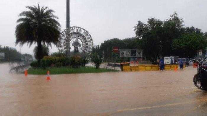 Kantor Wali Kota Jakarta Utara Kebanjiran, Area Parkir Lantai Dasar Tak Bisa Digunakan
