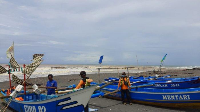 Gelombang Tinggi dan Tangkapan Ikan Sepi, Sebagian Nelayan di Kulon Progo Pilih Tak Melaut