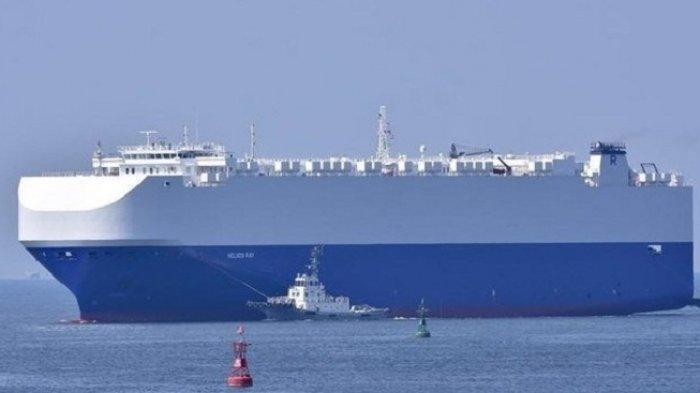 Kapal Kargo MV Helios Ray Diguncang Ledakan di Teluk Oman, Israel Tuding Iran Pelakunya