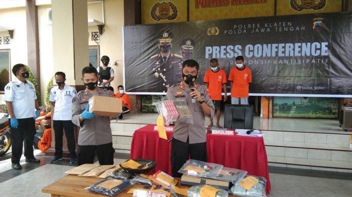 Panjat Dinding dan Jebol Teralis Jendela, Polisi Ringkus Pencuri di Minimarket Prambanan Klaten