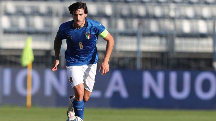 Kapten timnas U-21 Italia Sandro Tonali
