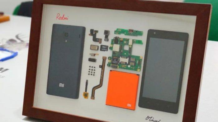 Keren, Karya Seni dari Komponen Ponsel Xiaomi Redm