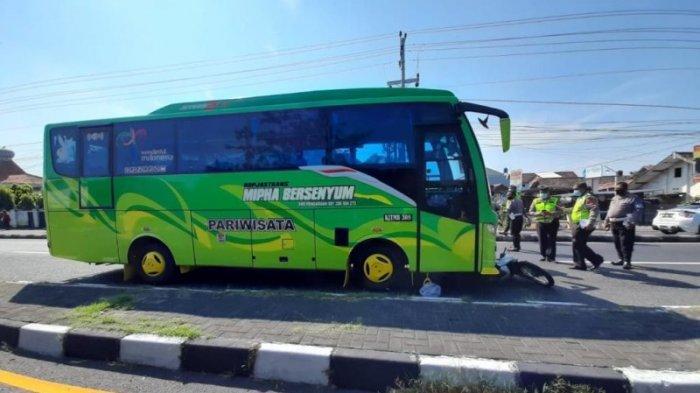 Bus vs Sepeda Motor: Dua Lansia Tewas dalam Kecelakaan di Ring Road Utara Maguwoharjo