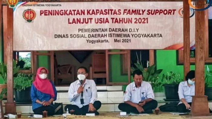 Sambut Hari Lansia Nasional, Dinsos DIY Beri Jaminan Sosial Kepada 1.000 Lansia Selama 6 Bulan