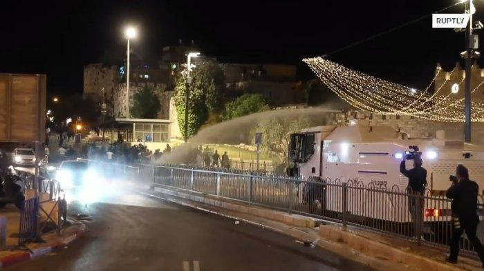 Kelompok Ekstremis Israel dan Warga Palestina Terlibat Bentrok, Ratusan Orang Terluka