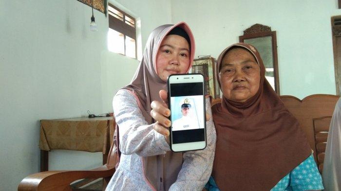 Keluarga Serda Eko Prasetiyo Berharap Jasad Kru KRI Nanggala-402 Ditemukan