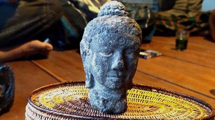 Patung Kepala Buddha Menangis Ditemukan Petani saat Menggali Tanah di Ladang