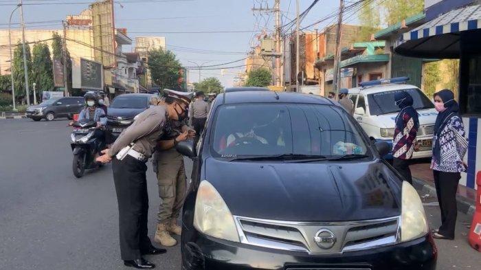 Hingga Hari Keenam Operasi, Ratusan Mobil Diberhentikan di Pos Penyekatan Gejayan Sleman