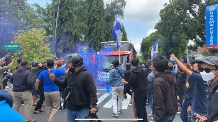 Kepulangan PSIM Yogyakarta Disambut Suporter, Seto Berharap Derby Mataram Jadi Awal Kebangkitan