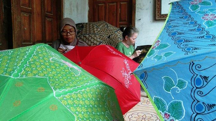 Kesuksesan Warga Klaten Bikin Payung Motif Batik, Diminati Warga India dan Hongkong