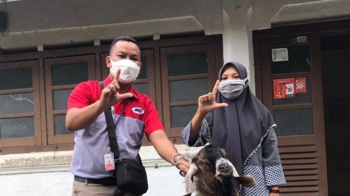 KEJUTAN, Ketiban Rezeki dari JNE Yogyakarta, Dua Warga DIY Ini Dapat Kambing Kurban