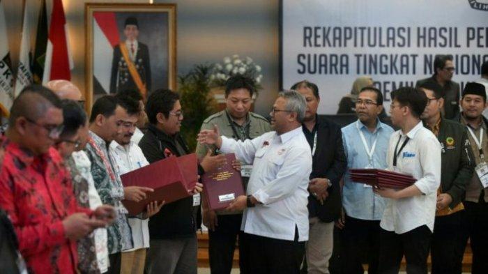 KPU Tetapkan Rekapitulasi Suara Pemilu 2019, Saksi BPN Tak Mau Tanda Tangan