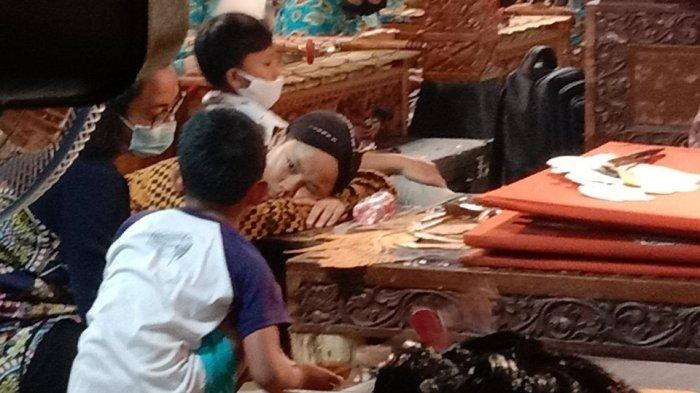 Ki Gadhing Pawukir, Putra Ki Seno Nugroho Tetap Berusaha Tampil Walau Mendadak Tidak Fit