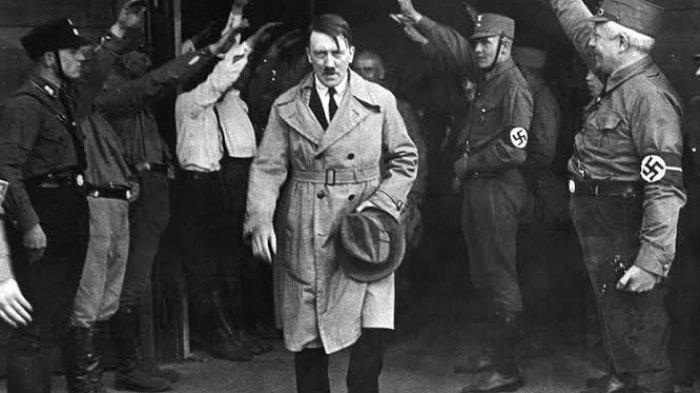 KISAH HARI-HARI AKHIR ADOLF HITLER: Sang Fuhrer Menjerit di Bunker Saking Marahnya