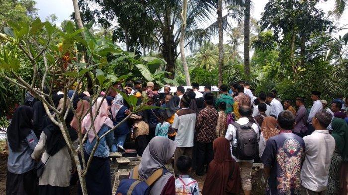 Dengar Anaknya Jadi Korban Susur Sungai Sempor, Ayah Zahra Naik Motor dari Surabaya ke Sleman