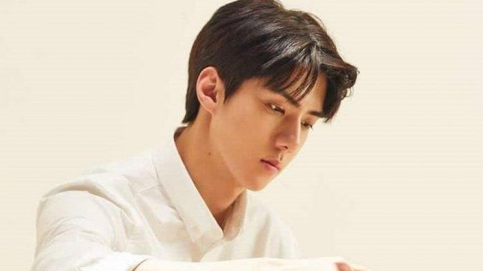 Muncul dalam Drakor Terbaru Bersama Song Hye Kyo, Ini 10 Potret Ketampanan Sehun EXO