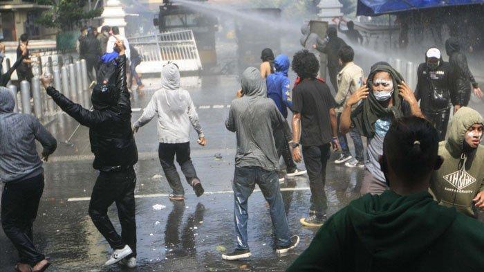 Enam Mahasiswa UAD Ditahan di Polresta Yogyakarta Pasca-Aksi Tolak Omnibus Law, Dipulangkan