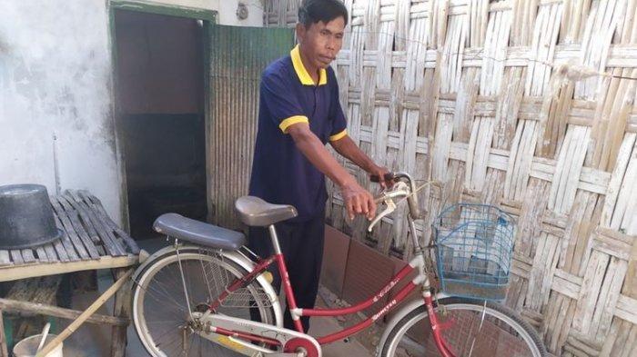 Kisah Sepeda Merah Antar Lailatul Qomariah Raih Gelar Doktor di Usia Muda