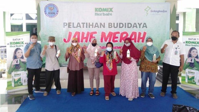 Berikan Pelatihan Budidaya Jahe Merah, Komix Herbal Bersama BNN Berdayakan Masyarakat Jogja