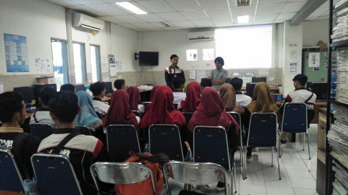 KOMA AMIKOM Yogyakarta Berkunjung ke Tribun Jogja