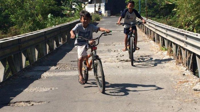 Jembatan Rusak di Dusun Grogol Bahayakan Pengendara