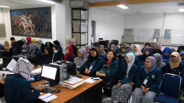 LPM POTLOT dan Polimer Undip Belajar Jurnalistik di Tribun Jogja