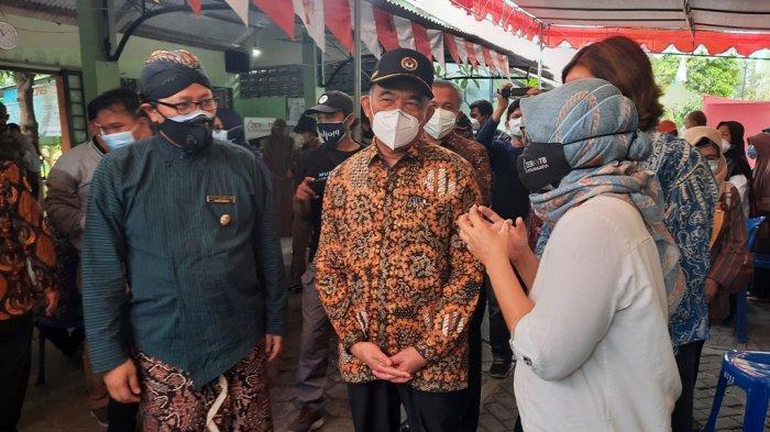 Kunjungi Mergangsan Kota Yogya, Menko PKM Muhajir Efendi Jajal Mobil Skrining TBC