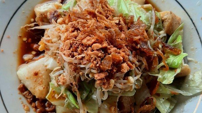 Dari Sini Asalnya Ketupat dari Kupat Tahu, Kuliner Khas Kota Magelang yang Populer - kupat-magelang-8.jpg