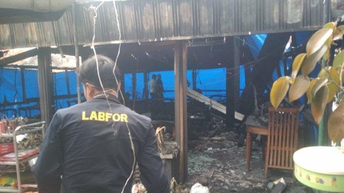 Laboratorium Forensik (Labfor) Mabes Polri Cabang Semarang bersama Polda DIY dan Polresta Yogyakarta melakukan olah TKP di Legian Garden Resto, Sabtu (10/10/2020).