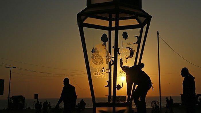 Inilah Bacaan Niat Puasa Ramadan Lengkap, Disertai Terjemahan Bahasa Indonesianya