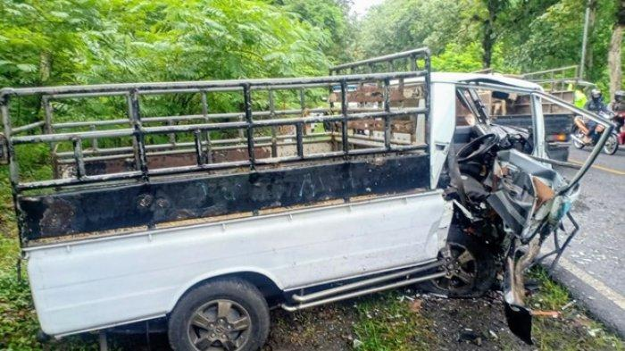 Kendaraan yang terlibat laka lantas di Jalan Yogya-Wonosari, Kalurahan Gading, Playen, Gunungkidul. Laka tersebut terjadi pada Jumat (04/12/2020) sekitar pukul 06.30 WIB