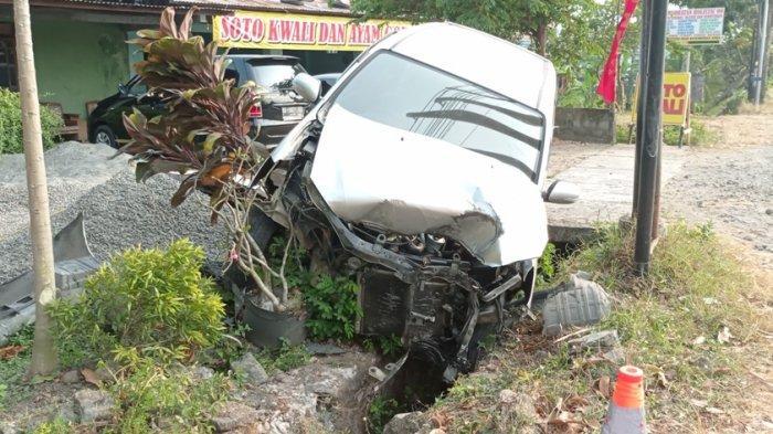 Laka lantas di Jalan Yogyakarta - Wates Kulon Progo, Beruntung Tak Ada Korban Jiwa