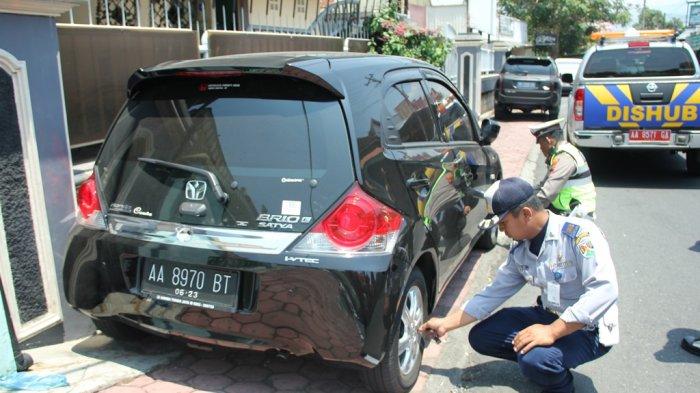 Langgar Aturan KTL, 2 Mobil Dikempesi, 4 Pengendara Motor di Kota Magelang Ditilang