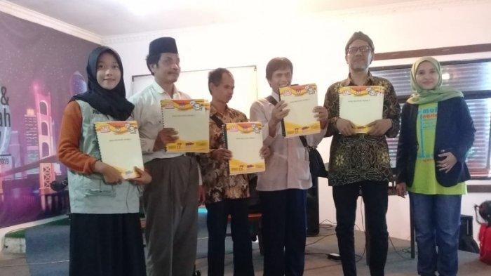 Leaflet Braille, Upaya KPU Bantul Beri Pendidikan Pemilu Untuk Pemilih Tuna Netra