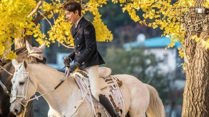 Ilustrasi: Lee Min-ho berkuda di drakor King Eternal Monarch