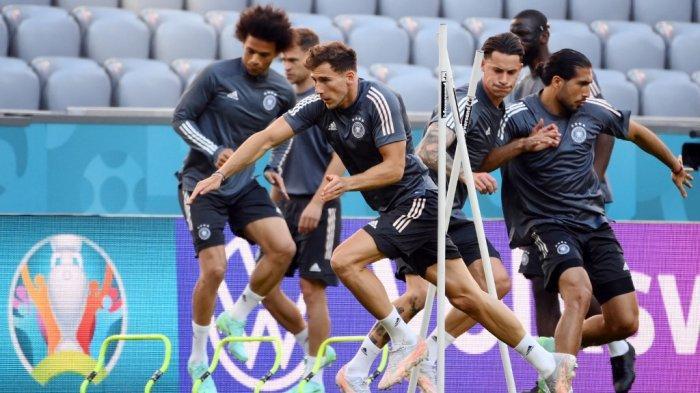 Leon Goretzka di sesi latihan Jerman di Allianz Arena di Munich pada 14 Juni 2021, menjelang pertandingan sepak bola Grup F UEFA EURO 2020 melawan Prancis.