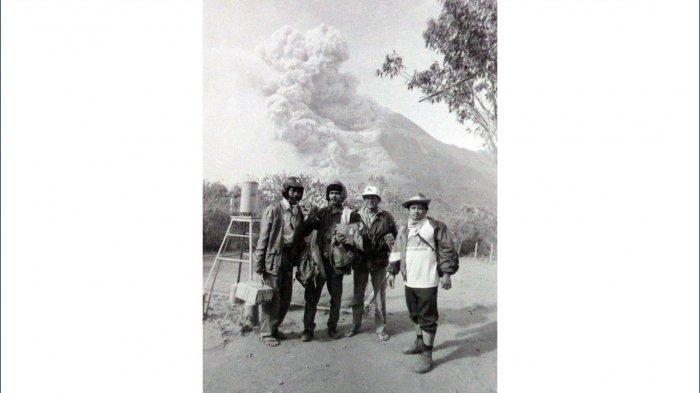 Letusan Merapi, Selasa 22 November 1994 diabadikan dari Pos Plawangan, Kaliurang, Sleman